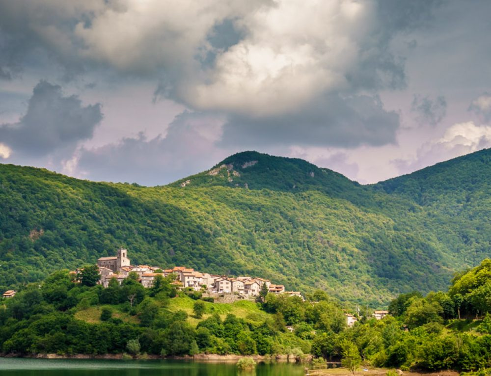 Editing in Lightroom – A Walkthrough With an Image From Vagli Sotto in Tuscany