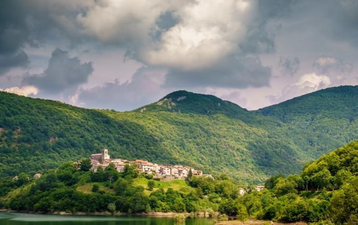 Editing in Lightroom Vagli Sotto, Tuscany
